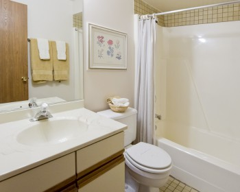 Full Bath – 2 Bedroom Unit